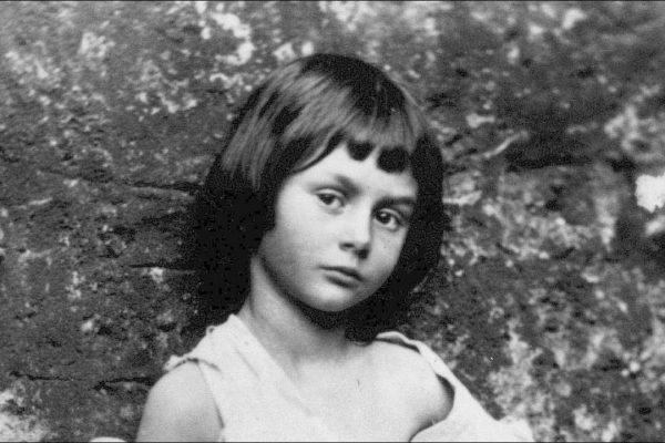 Alice Liddell fotografada por Lewis Carroll.
